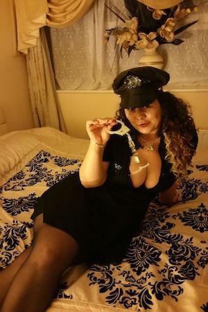 Featured Corina Escort